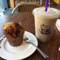 Photo taken at The Coffee Bean & Tea Leaf (香啡缤) by Yasuo T. on 10/26/2014