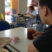 Photo taken at Jollibee, Halang Calamba City by Jastin edrian R. on 4/13/2013