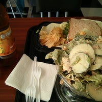 Photo taken at Happy Salad by Humberto M. on 4/20/2013