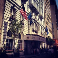 Photo taken at Hotel Monteleone by Jason W. on 5/18/2013