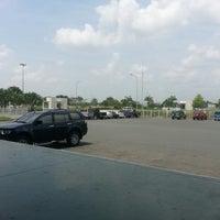 Photo taken at iloilo international cargo area/ zestair cargo logistics by Cenonjr d. on 6/23/2013