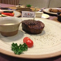 Снимок сделан в Meat&Fish пользователем Yulia V. 7/25/2013