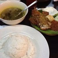 Photo taken at Restoran Ayam Penyet Jawa by Mastura Humairah on 7/15/2013