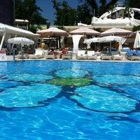 7/7/2013 tarihinde Андрей П.ziyaretçi tarafından Ibiza Beach Club'de çekilen fotoğraf