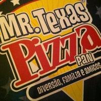 12/28/2012 tarihinde Ricky T.ziyaretçi tarafından Mr. Texas Pizza Pan'de çekilen fotoğraf