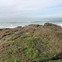 Foto tirada no(a) Cliffs At Ocean Beach por Kyle M. em 12/10/2017
