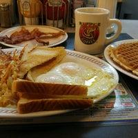 Photo taken at Waffle House by Anita P. on 2/20/2017