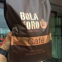 Photo taken at Café Bola de Oro by Dzain on 3/1/2015
