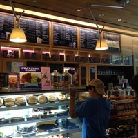 Photo taken at The Coffee Bean & Tea Leaf by Millet S. on 4/22/2014