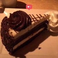 Das Foto wurde bei The Cheesecake Factory von Kenn F. am 10/28/2017 aufgenommen