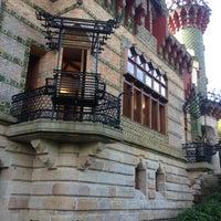 Foto tomada en El Capricho de Gaudí por Patxitaxi656710167 B. el 10/23/2012