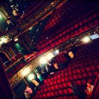 Das Foto wurde bei Aldwych Theatre von Haitham R. am 10/13/2013 aufgenommen