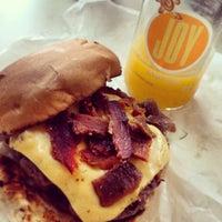 Foto tirada no(a) Vinil Burger por Ponci em 10/24/2013