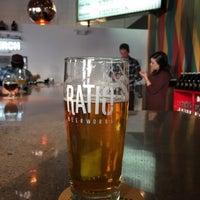 Foto tomada en Ratio Beerworks por Michael F. el 2/27/2015
