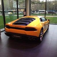 Снимок сделан в Lamborghini Moscow пользователем Yuriy Y. 4/25/2016