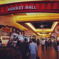 Photo prise au Navy Pier Food Court par Techi le10/10/2013