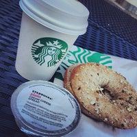 Das Foto wurde bei Starbucks von Techi am 10/22/2013 aufgenommen