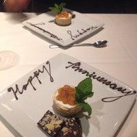 Foto tirada no(a) Ruth's Chris Steak House por Jeanne M. em 8/22/2014