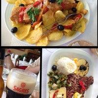 Foto tirada no(a) Restaurante Dias por Angela G. em 7/7/2013
