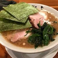 Photo taken at 横浜家系 麺屋 はやぶさ by あさくろ on 4/5/2018