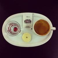 Foto tirada no(a) Café do Ponto por Mica B. em 3/8/2013