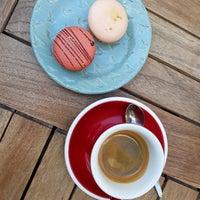 9/28/2018 tarihinde Janička H.ziyaretçi tarafından Chez Dodo - Artisan Macarons & Café'de çekilen fotoğraf