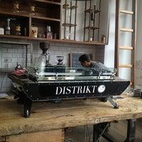 Foto tirada no(a) Lot Sixty One Coffee Roasters por Timo L. em 6/22/2013