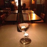 4/29/2013 tarihinde Dragce J.ziyaretçi tarafından innio restaurant and bar'de çekilen fotoğraf