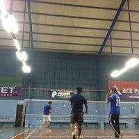 Photo taken at Dewan Badminton Sing Keong by H K. on 12/18/2013