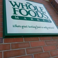 Photo prise au Whole Foods Market par Nery E. le4/14/2013
