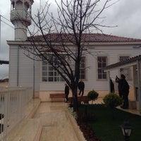Das Foto wurde bei Üryanizade Camii von Fatih K. am 3/17/2017 aufgenommen