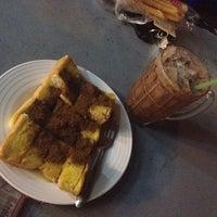Photo taken at ขนมปังสังขยา นมสด(เลิศรส) by mayz m. on 1/23/2016