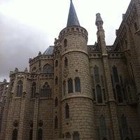 Photo taken at Palacio Episcopal de Astorga by Sylvia on 7/28/2013