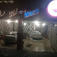 Photo taken at DG Car Wash by Yiğit Tunç E. on 11/24/2015