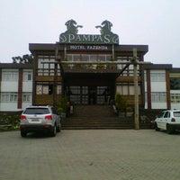 Foto tirada no(a) Hotel Fazenda Pampas da Serra por Correr pelo Mundo em 9/15/2012