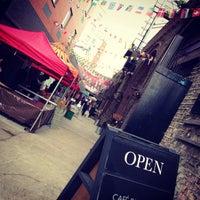 Photo prise au Maltby Street Market par Andrew S. le5/18/2013