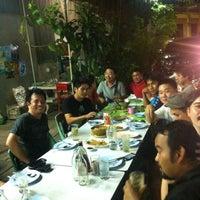 Photo taken at ร้านอาหาร แต้เม่งหลี (แปะตี๋) by Dr.Love k. on 5/13/2013