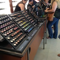 Photo taken at MAC Cosmetics by Inna O. on 8/7/2014