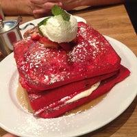 Снимок сделан в Green Eggs Cafe пользователем Katerina G. 4/19/2013