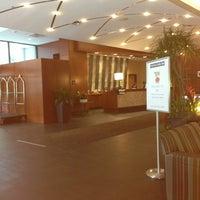 Photo taken at Hampton Inn Philadelphia Center City-Convention Center by Damon D. on 6/25/2013