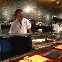 Foto tomada en Sushi Sake por Drew E. el 5/2/2013