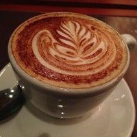 Foto tirada no(a) Amika Coffeehouse por Mrn C. em 6/29/2013