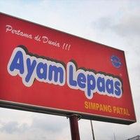 Photo taken at Ayam Lepaas by Zildjian Rama B. on 4/15/2013