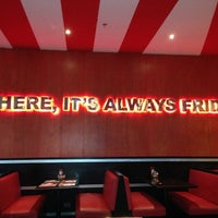 Photo taken at T.G.I. Friday's by Cata L. on 6/1/2013