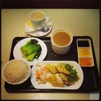 Photo taken at Hainan Restaurant by Carmen W. on 5/16/2014