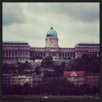 Foto tirada no(a) Castelo de Buda por andrrop em 5/14/2013