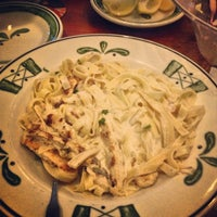 Photo taken at Olive Garden by Khalid A. on 9/8/2013