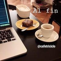 Foto tirada no(a) Café Triciclo por Nikolas T. em 6/15/2018