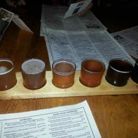 Photo taken at Moat Mountain Smoke House & Brewing Co. by David D. on 5/21/2013
