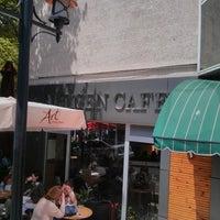 5/8/2013 tarihinde Cansu D.ziyaretçi tarafından Altıgen Cafe'de çekilen fotoğraf